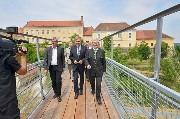 Großansicht Erster Gang über die Eisenbrücke